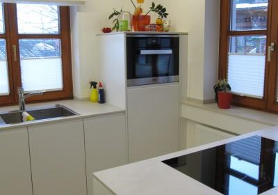 Neue Küche, Familie F.